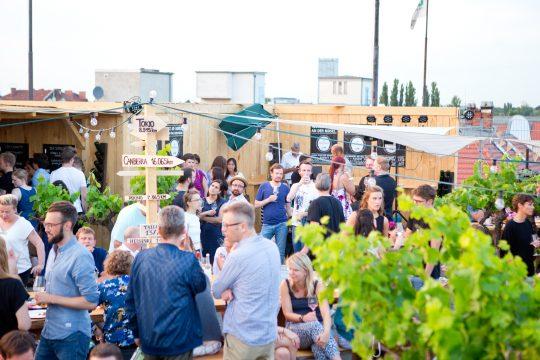 vm-people_erben_wein__rooftop_winebar_berlin__2016_07_01__print_size__072